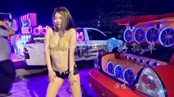 没有你陪伴真的好孤单 DJ何鹏 美女热舞汽车音响视频