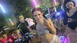 激动的心颤抖的手 DJ何鹏 美女热舞汽车音响视频