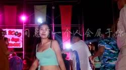 这世间总有一个人会属于你 DJ伟然 美女热舞汽车音响视频
