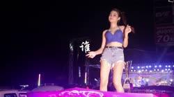 谁 DJ何鹏 美女热舞汽车音响视频